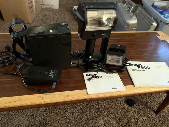 Braum F900 Flash and accessories