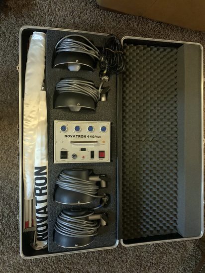 Great Condition! Novatron 440 Plus High Efficiency Studio Strobes with Case