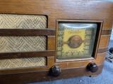 Antique Crosley Tube Radio model 52TA