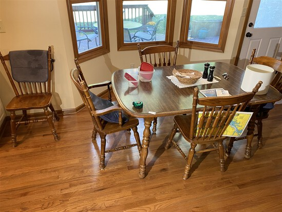 Vintage Oak table and six Chairs Set
