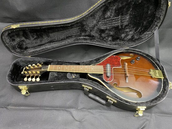 Ibanez Mandolin with Tobacco Finish