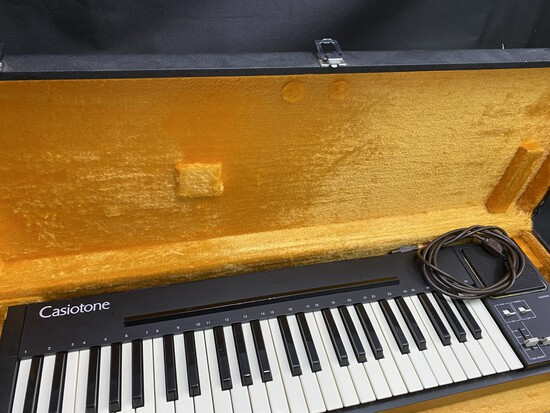 Vintage Casiotone Keyboard in Case