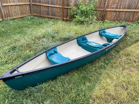 Nice Made in USA Mackinaw 156 Deluxe Canoe