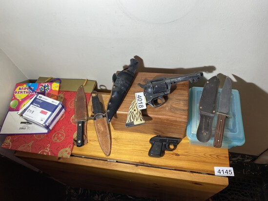 Group lot of Vintage Knives, Cap gun, BB gun