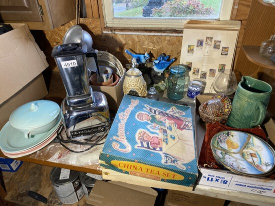 Lot of nicer vintage items