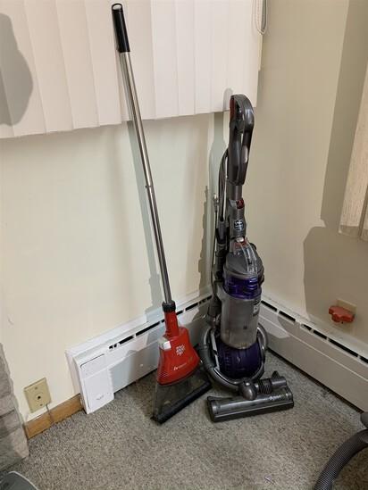 Dyson DC25 Vacuum & Dirt Devil Broom Vac