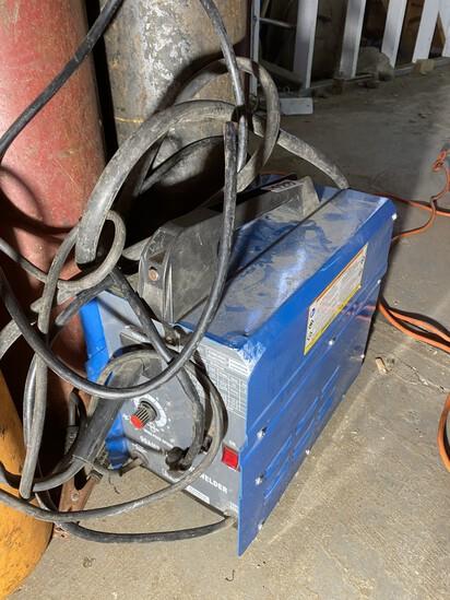 Chicago Electric Flux Wire Welder Machine