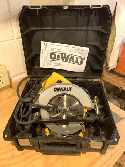 DeWalt 7 - 1/4 inch Circular Saw with Electric Brake