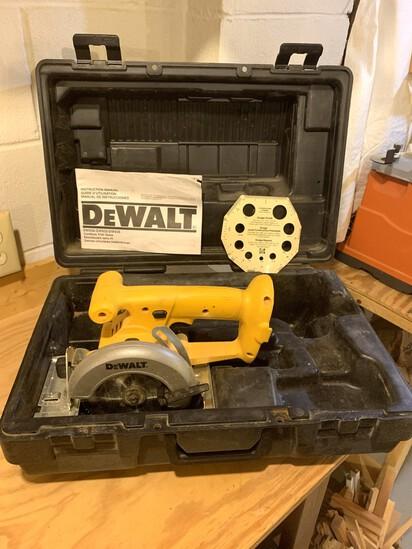 DeWalt 5 3/8 inch Trim Saw