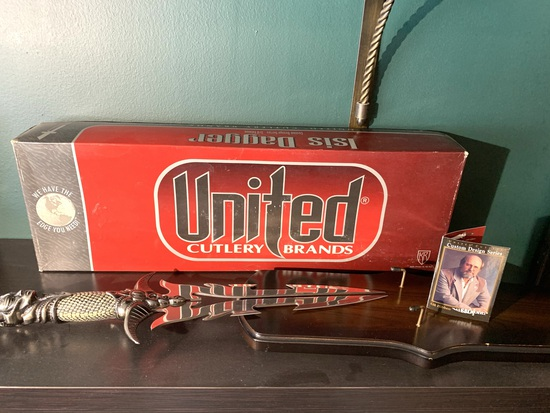 United Cutlery Brands Gil Hibben Knife in Box - Isis Dagger