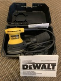 DeWalt Palm Sander Model DW421