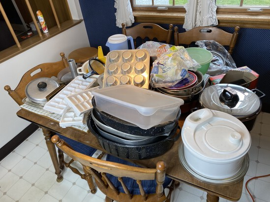 Large lot of assorted cookware
