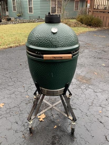 Big Green Egg Charcoal Grill