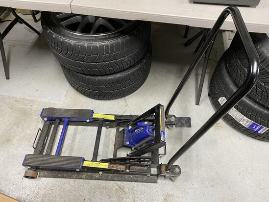 1500 lb Kobalt Utility Lift