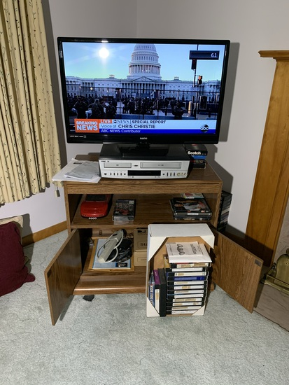 32 inch Sanyo Tv with Remote, Tv stand, DVD/VHS Combo Player and More