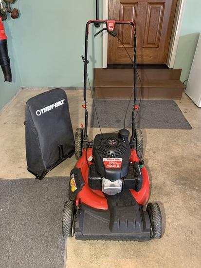 Troy-Bilt 21 inch Push Mower with Rear Bag