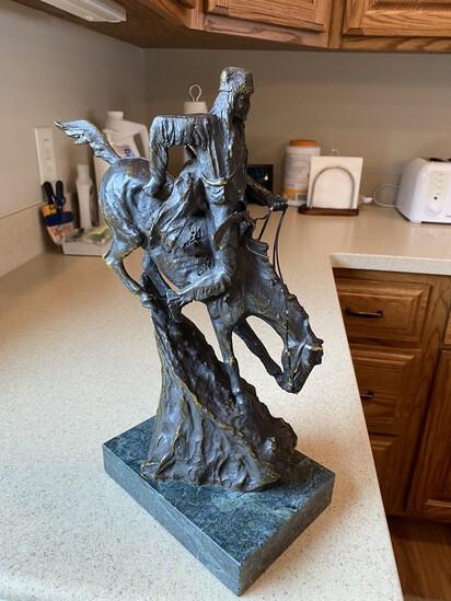 """Excellent vintage Frederic Remington Bronze Statue """"Mountain Man"""""""