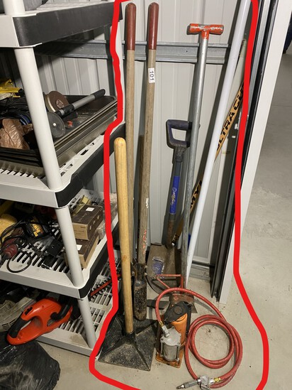Group lot of hand tools, Pneumatic Pump