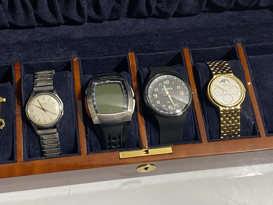 Group lot of 4 watches