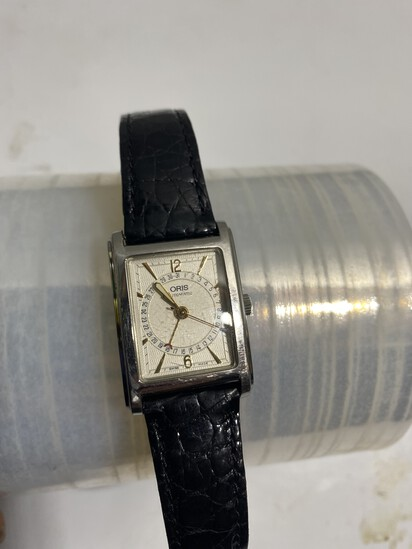 Vintage Swiss Oris Automatic Watch with Calendar