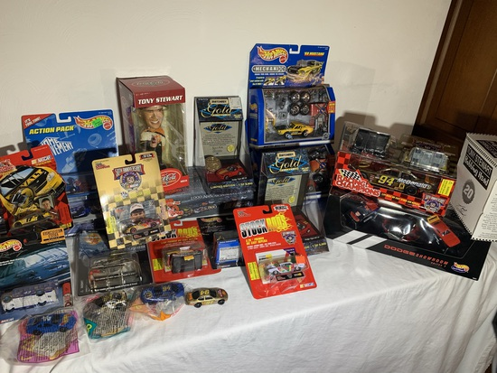 Large lot of assorted NASCAR items