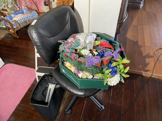 Office chair and fake flowers lot