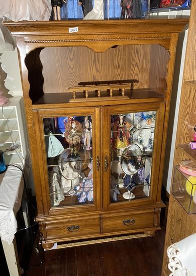 Nice Glass Display cabinet with glass doors