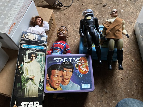 Star Wars toys including in box + Lunch boxes, Urkel