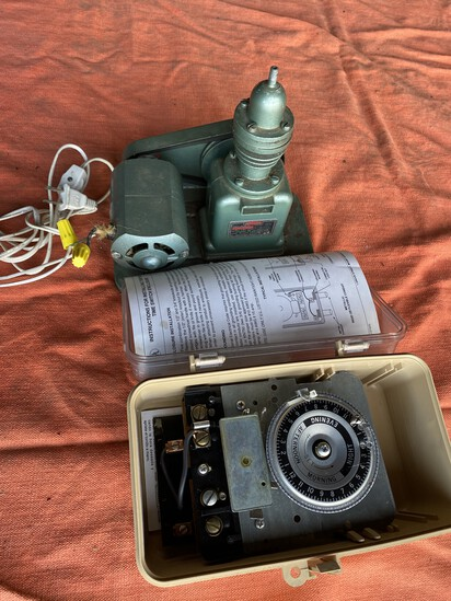 Small Vintage Spray Pump PLUS Timer