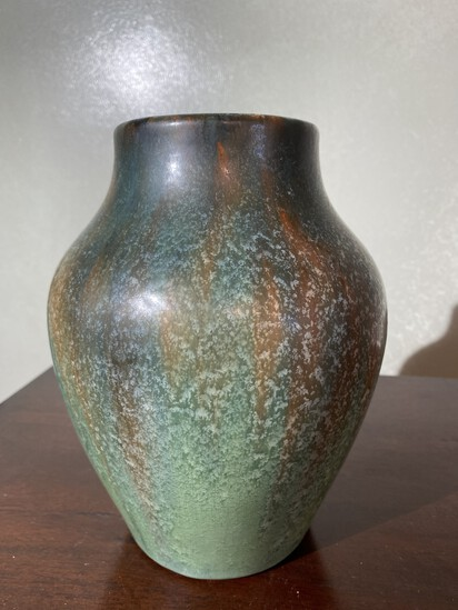 Unusual Art Pottery Vase unsigned Heavy Glaze excellent