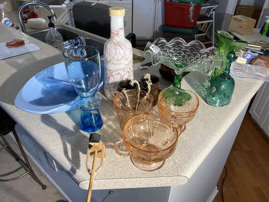 Pyrex and other vintage glass lot