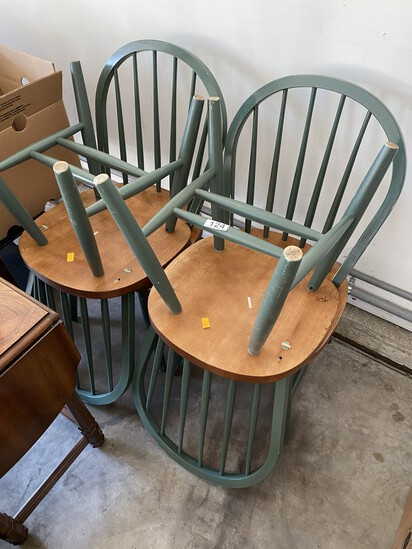 Group lot of four chairs
