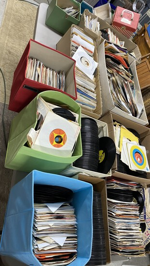 Very Large quantity of 45 records