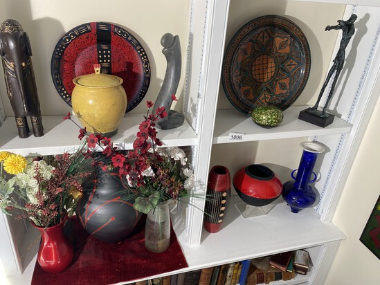 4 Shelves of assorted decorative and art objects