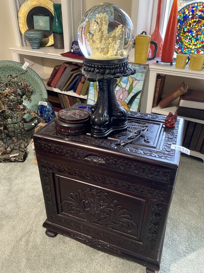 Chinese Carved box PLUS