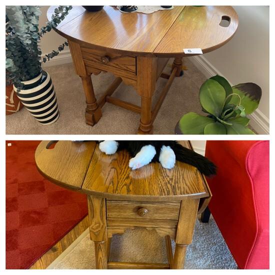 Pair of vintage oak drop leaf end tables