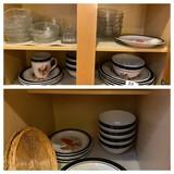 Set of Cardinal bird dinnerware