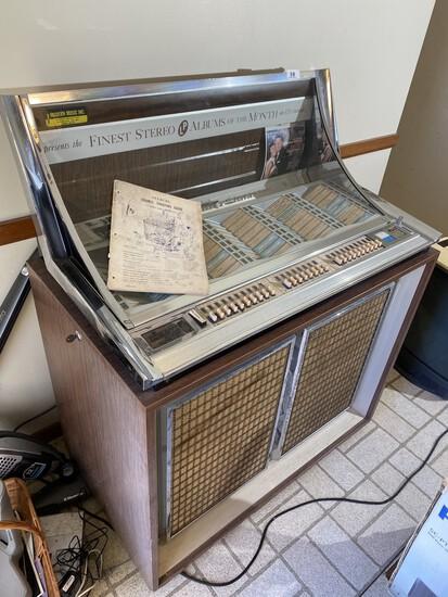 Vintage Seeburg Console Jukebox - Works