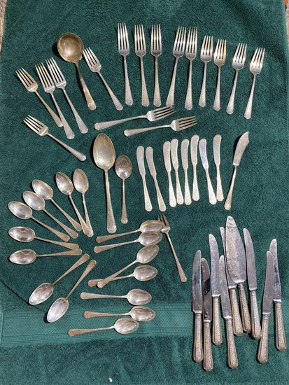 Set of Towle Sterling Silver Old Brocade Pattern 1,547 grams
