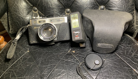 Yashica 35mm Gsn Camera with Flash