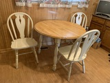 Dinette Set. See Photos.  Issue with Leg