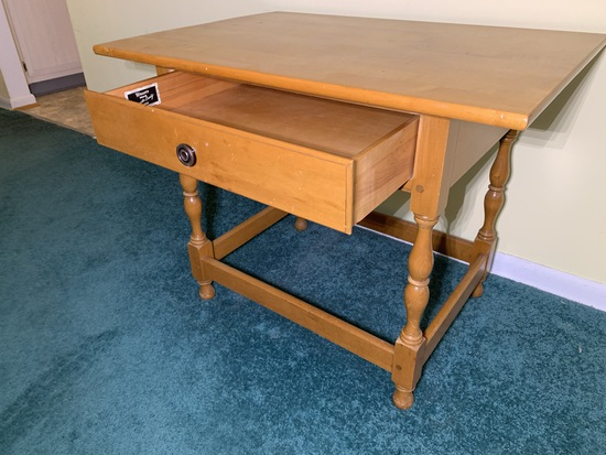 Beautiful Willett Solid Maple Lancaster County Side Table