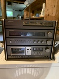Panasonic Model SE-P44 Cassette and Turntable