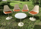 Mid Century Modern Knoll Tulip Table & 4 Unbranded Chairs.