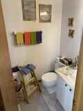 Bathroom contents lot