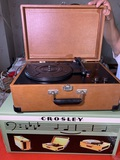 Crosley CR49 Traveler Turntable with Stereo Speakers and Adjustable Tone Control. (NO CORD)