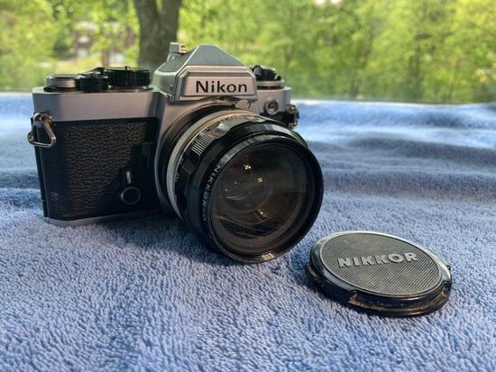 Nikon FE4048312 Camera with Nikkor-o lens