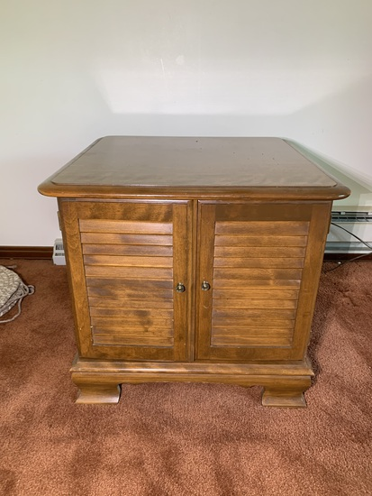 Ethan Allen Side Stand