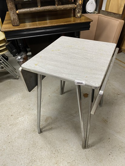 Small retro TV or Sewing Table