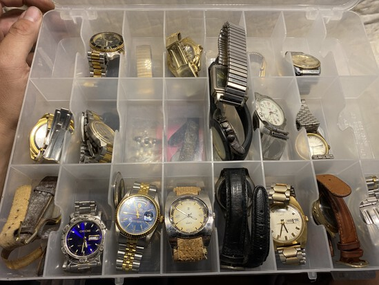 Group lot of assorted vintage watches
